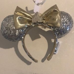 Disney Parks Minnie Ears with Castle